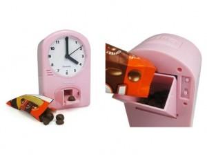 Часы - шоколадный дозатор
