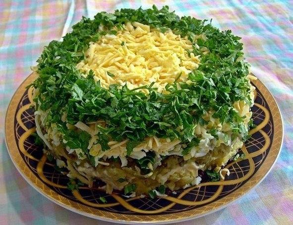 Самые вкусные и красиво оформленные салаты с грибами к Новому Году!