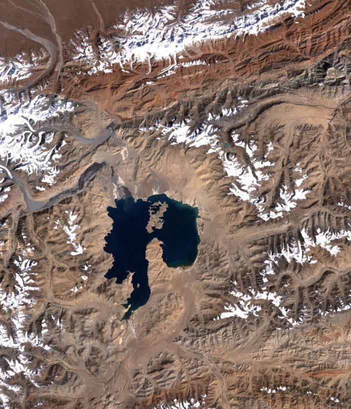 4 километра над уровнем моря: чёрное озеро Каракуль