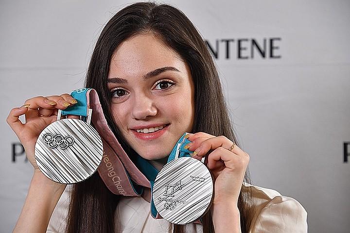 Евгения Медведева заявила, что канадский тренер открыл ей «абсолютно новый мир»