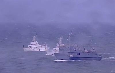 Порошенко принял морской парад в Одессе
