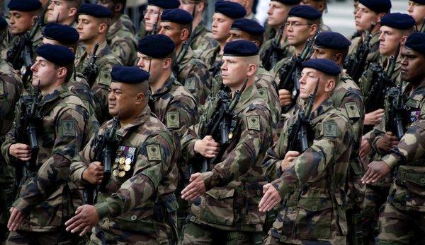 Чья подготовка лучше? Как французские курсанты наперегонки с русскими в Сен-Сире бегали