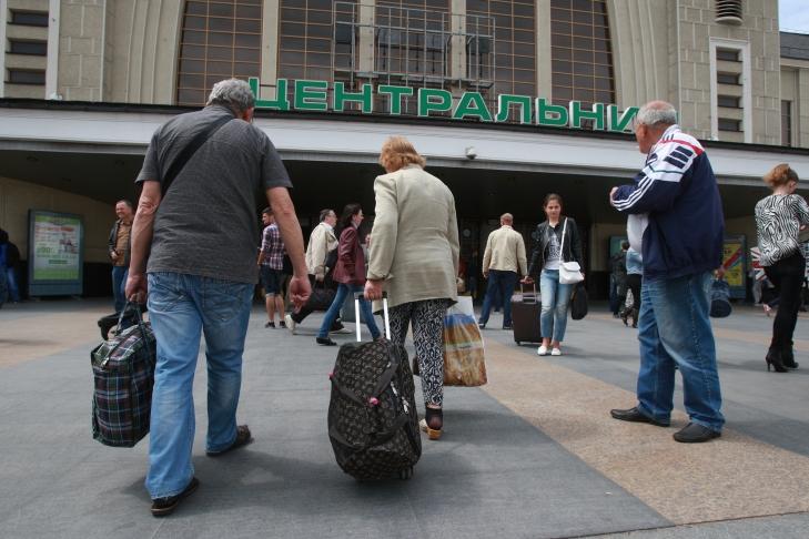 Украину обескровливает миграционный отток населения