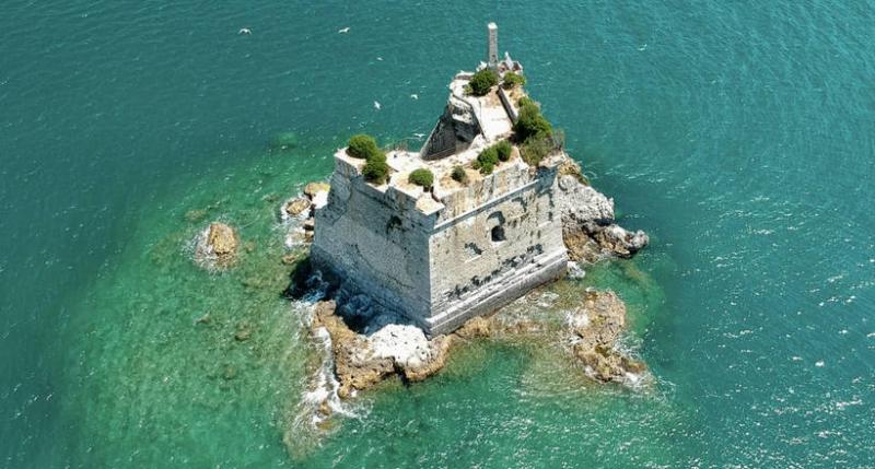 Уникальная башня Scola в Ита…