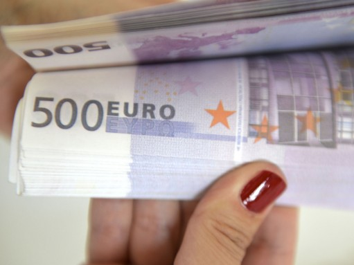 ЕС созовет панель арбитров ВТО по спору с РФ о пошлинах на автомобили