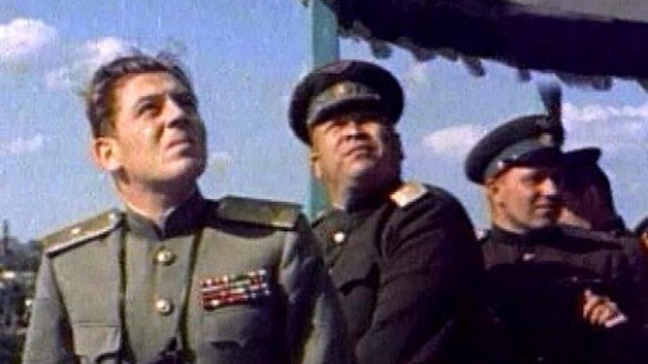 """Как воевал и сколько на самом деле сбил немецких самолётов """"сын Вождя"""" - Василий Сталин?"""