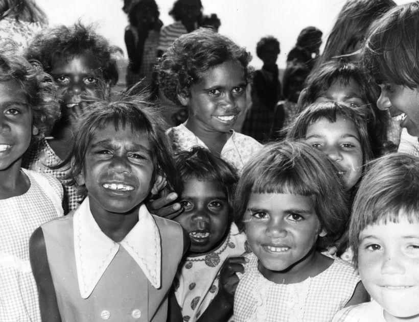 Зачем детей австралийских аборигенов отнимали у родителей