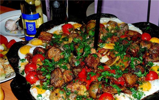 Походная тарелка (хочу такую до страсти) Называется Садж