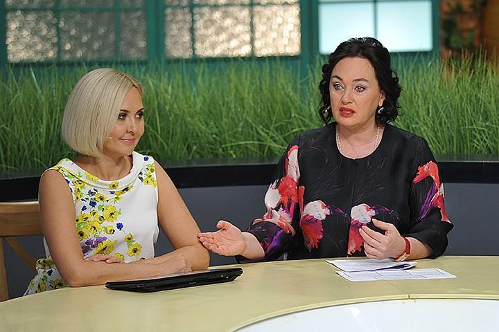 «Телевизор случайным людям сносит голову»: Лариса Гузеева оскорбила Василису Володину