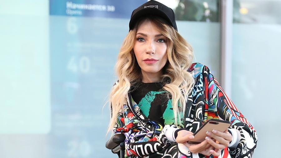 В Сети отреагировали на слова Самойловой об эмиграции