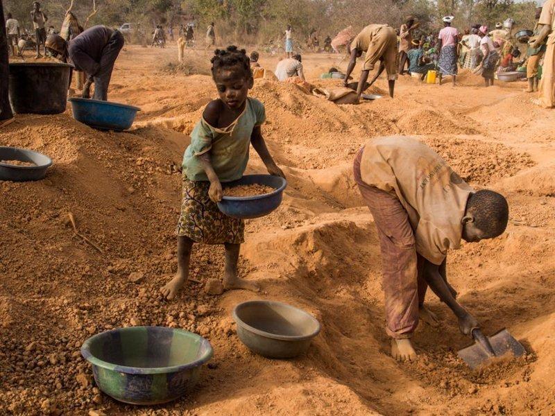 10. К сожалению, борьба с детским трудом идет и по сей день, не всегда успешно Жуткие снимки, Трогает до слёз, дети, детский труд, рабство