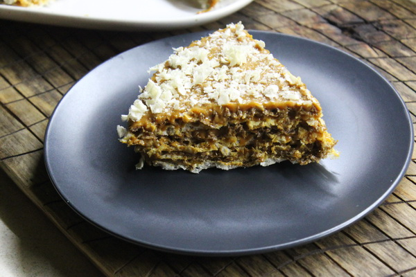 Торт «Ириска» – рецепт из советского прошлого (готовится без выпечки за 10 минут)