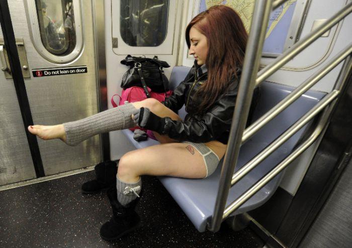 Флешмоб: В метро без штанов без штанов, метро, флешмоб