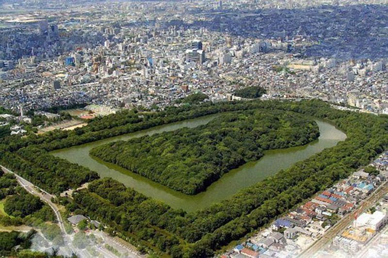 kofun burial mounds in ancient japan At this specific time of the year, the world's graveyards come alive and turn into a melting pot of spirituality and family re-connection, all because of all souls' day and thoug.