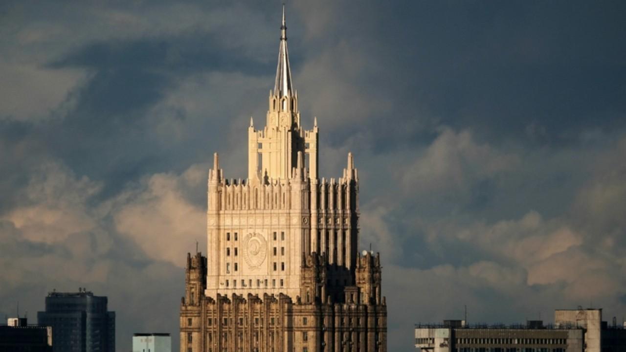 «Прямое давление и угрозы»: МИД призвал международное сообщество отреагировать на притеснение журналистов на Украине
