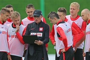 Польские СМИ запугивают своих игроков и болельщиков Россией