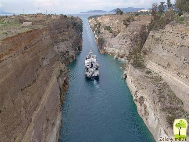 Коринфский канал в Греции – самый узкий судоходный канал в мире - 12