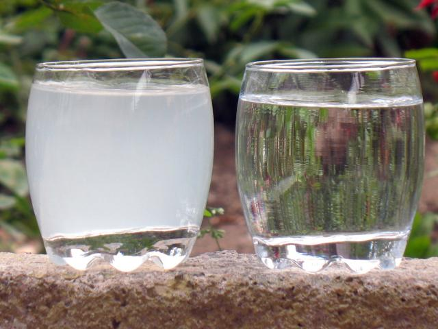 Заряженная музыкой вода становится лечебной
