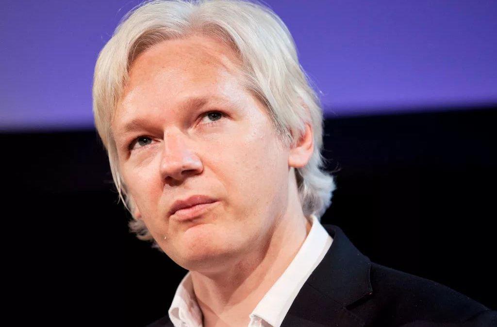 Джулиан Ассанж заявил, что Россия постоянно троллит американские власти