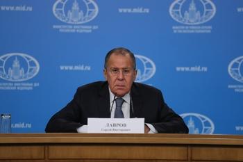 Лавров убежден, что американцы боятся конкуренции с РФ