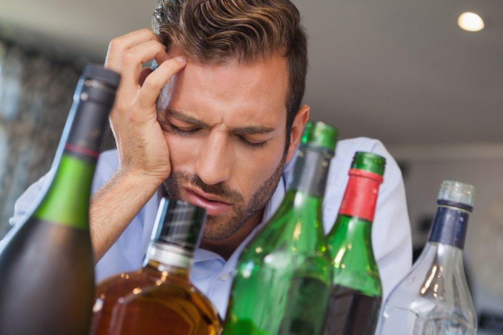 9 предупреждающих признаков того, что кто-то является функционирующим зависимым от алкоголя