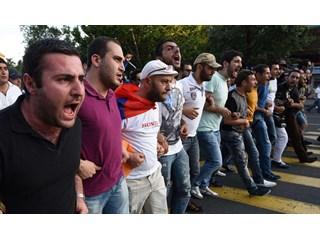 Новый армянский майдан раскачивают «грантоеды»