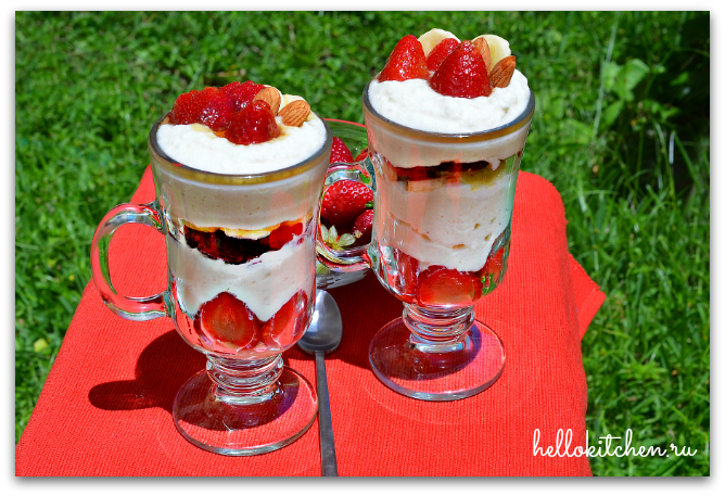 006 Десерт из рикотты и клубники