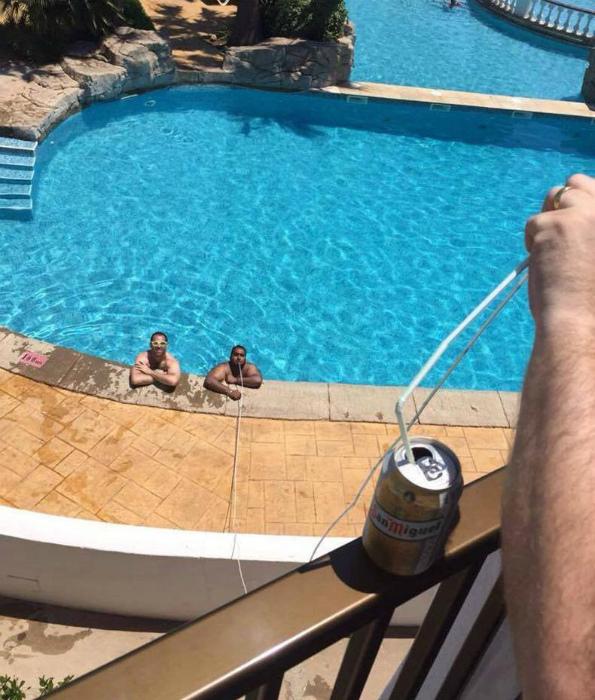 Напитки в бассейн.