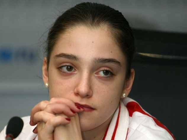 Гимнастка Мустафина ответила на вопрос о выборе между семьей и карьерой