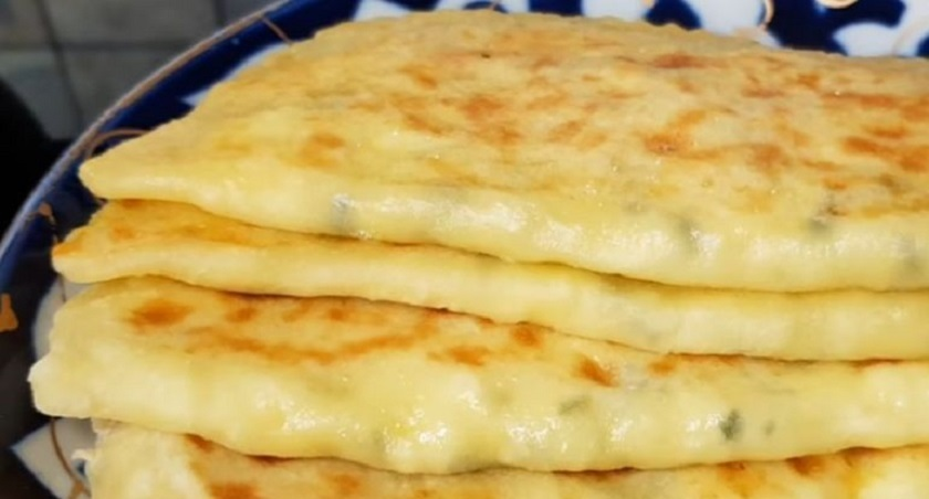 Лепешки на кефире с творогом и сыром: удивите домашних