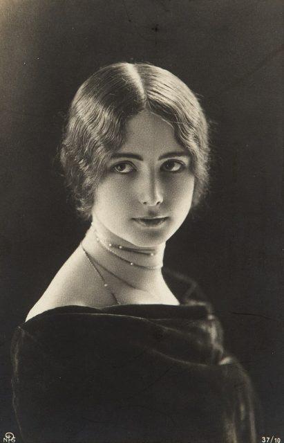 Эти 100-летние фото красивых женщин показывают, что у красоты не может быть стандартов