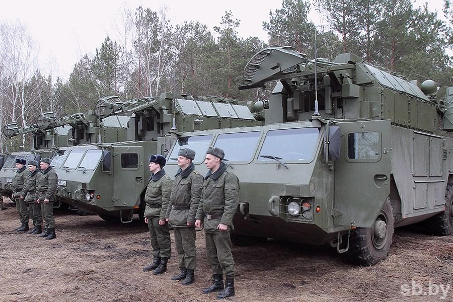 Белоруссия заказала пятую батарею зенитного ракетного комплекса «Тор-М2К»
