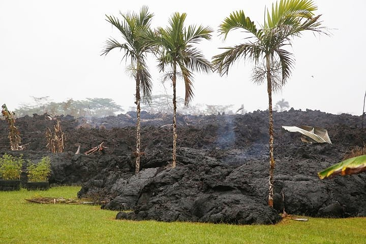 На Гавайях эвакуируют еще один населенный пункт из-за извержения вулкана