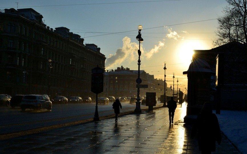 В Петербурге провода над Невским проспектом планируют убрать в следующем году