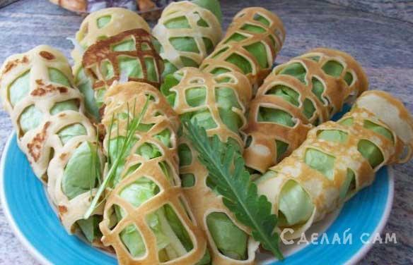 Ажурные блинчики с салатом