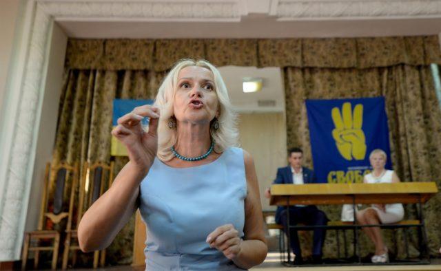 Фарион: всем русскоязычным «давать по морде»