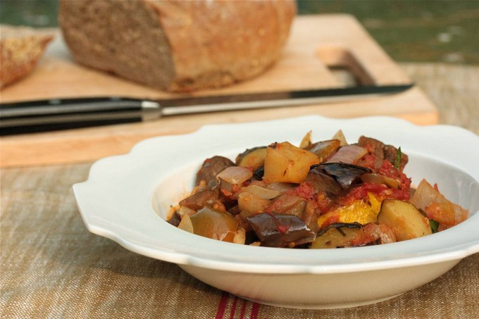 Овощное рагу с кабачками и б…