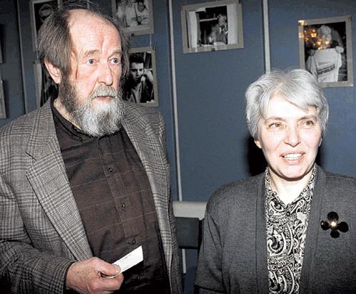 Наталья СОЛЖЕНИЦЫНА после смерти мужа подтвердила, что тот шакалил на администрацию ГУЛАГа