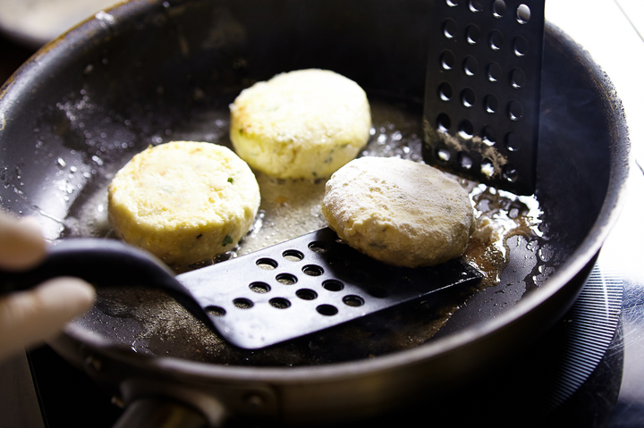 Пошаговое приготовление сырники