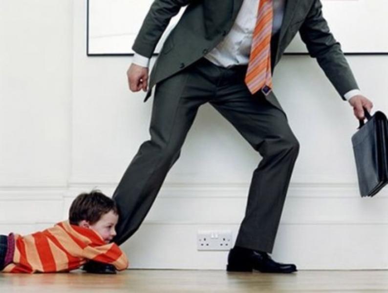 Ты что думаешь, что за счет этого ребенка затащишь меня в ЗАГС? Не мечтай и не надейся!