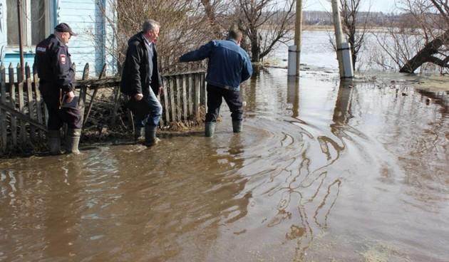 Паводок отрезал от мира ещё шесть сёл Омской области