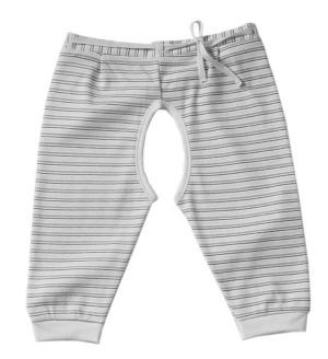 Детские штаны с прорезями