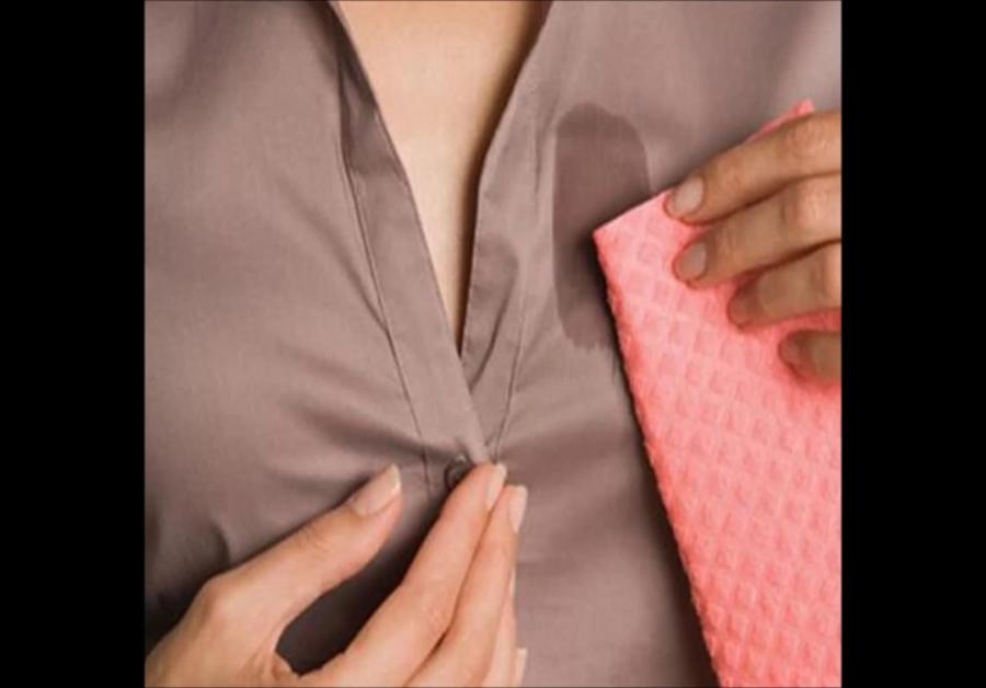 Хотите легко и без химии избавиться от пятен на одежде? Следует добавить всего один этот ингредиент при стирке
