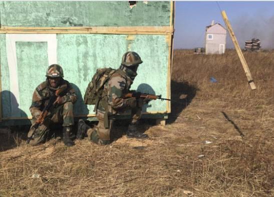 Индийские военные в Приморье продемонстрировали умение уничтожать условных террористов