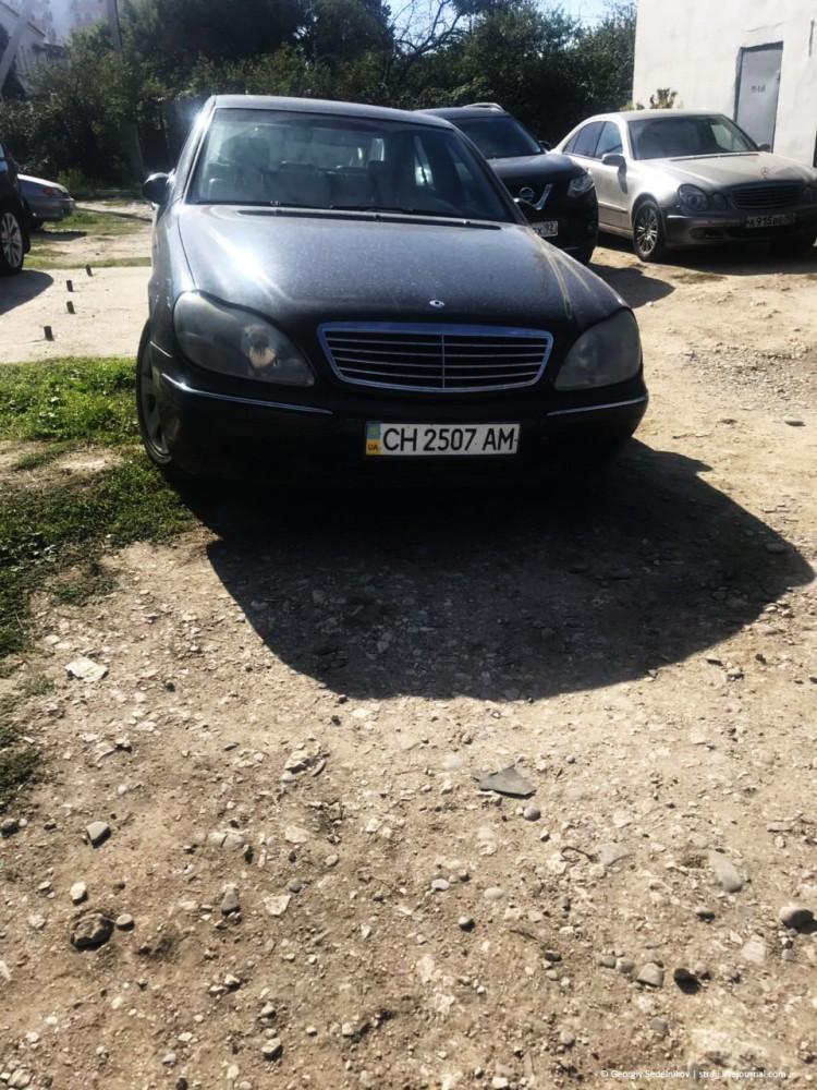 Офицер российской армии на украинской машине, это не патриотично!