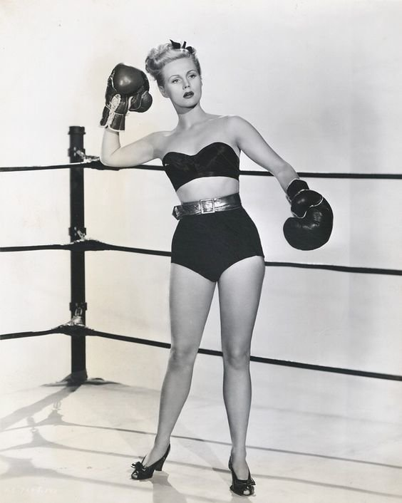 12. Virginia Mayo для журнала бокс, женщины боксируют, женщины в спорте, интересно, история, спортсменки, фото