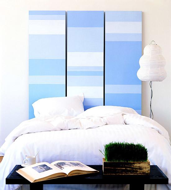 Сделать изголовье над кроватью из листов фанеры, оклеенных обоями. декор, куски, обои, остатки сладки