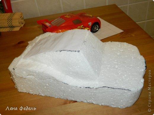 Мастер-класс Свит-дизайн День рождения Моделирование конструирование Молния Маквин из конфет Бумага гофрированная фото 3