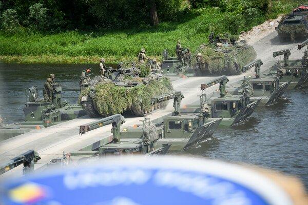 «Это будет их первая и последняя попытка»: в России ответили на заявление вице-адмирала США о наступательных возможностях НАТО.