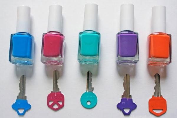 17 способов необычного использования лака для ногтей